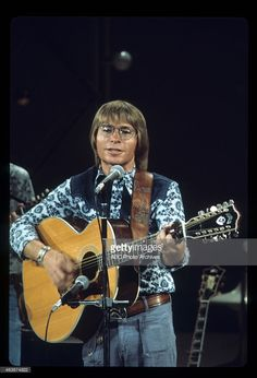 SATURDAY NIGHT LIVE WITH HOWARD COSELL - Show Premiere - Airdate: September 20, 1975. JOHN DENVER
