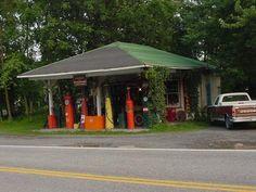 Old gas station in Burlington, WV Vintage Diner, Vintage Racing, Gas Service, Old Gas Stations, Gas Pumps, Take Me Home, Diners, Abandoned Houses, West Virginia