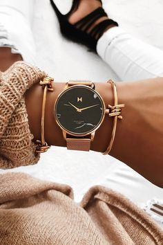 Best watches Ideas And Trends 2019 - Styles Art ~ Cool Watches, Mvmt Watches, Hair Jewelry, Jewellery, Next Clothes, Beautiful Watches, Leather Design, Passion For Fashion, Gold Watch