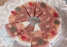 Diese Torte ist ein besonderer Eyecatcher und dami… – This cake is a special eyecatcher and dami … – Origami, Don D'argent, Funeral, Diy And Crafts, Great Gifts, German, Holiday Decor, Blog, Christmas