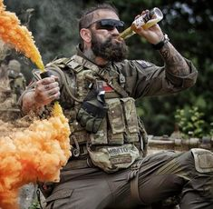 Airsoft hub is a social network that connects people with a passion for airsoft. Talk about the latest airsoft guns, tactical gear or simply share with others on this network Military Humor, Military Guns, Military Life, Tactical Beard, Tactical Gloves, Tactical Wall, Military Special Forces, Airsoft Gear, Delta Force