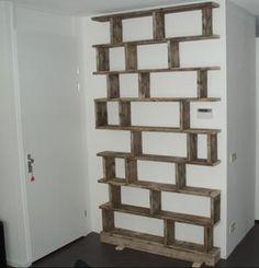 Bekijk de foto van angelique3101 met als titel Originele boekenkast voor een klein muurtje en nog ruimte voor de deur..... gemaakt door Meubelboulevard Middelaar en andere inspirerende plaatjes op Welke.nl.