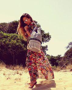'Breeze' sac fits 2 towels  #breeze #summerbag #summer #beach #beachstyle #summerstyle #salt #seabag #sea #canvasbag #summeringreece #greece #greekislands #greekdesigners #handmadeingreece #handcrafted #bathingsuit #photoshooting #pompom #fringes #vessels Summer Bags, Fringes, Breeze, Towels, Bathing Suits, Salt, Beach, Fitness, Instagram Posts