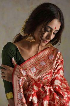 Bengali Bridal Makeup, Indian Bridal Fashion, Indian Photoshoot, Saree Photoshoot, Indian Silk Sarees, Indian Beauty Saree, Indian Dresses, Indian Outfits, Indian Aesthetic