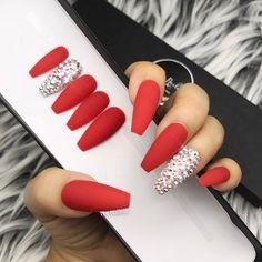 Classic Red set w / crystal bling accent Press-on nails (en) Any shape False nails False nails Glue on nails - Classic red set w crystal bling accent press on faux Red Acrylic Nails, Acrylic Nail Designs, Nail Art Designs, Nails Design, Red Ombre Nails, Red Matte Nails, Nail Pink, Nail Nail, Red Glitter Nails