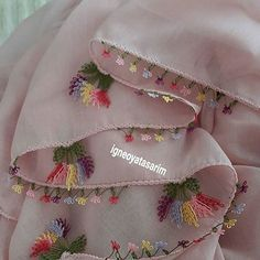 This post was discovered by Ha Palestinian Embroidery, Diy Scarf, Sewing Aprons, Scarf Styles, Elsa, Diy And Crafts, Sewing Patterns, Like4like, Lace