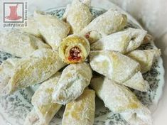 O patratica din Turcia mea Cake Recipes, Snack Recipes, Cooking Recipes, Food Cakes, Jamie Oliver, Biscotti, Food And Drink, Chips, Dairy