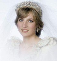 Lady Diana, ravissante mariée en diadème