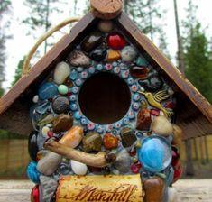 bsateln-mosaik-gartenideen-deko-vogelhaus