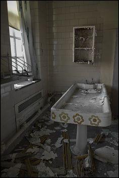 Hospital abandoned
