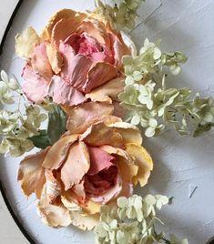 """1,165 Likes, 85 Comments - Мастерская Декора""""Афина"""" Римма (@rimma_vita) on Instagram: """"Добрый день! Завтра МК, у меня идёт подготовка, а это лирическое отступление!))), экспромт, розы,…"""""""
