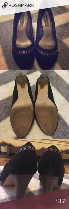 Steve Madden Luxe Heels Steve Madden Luxe Heels. Black suede with a gold chain sewn in. I only wore these twice to work (in an office) and never wore them again because they were too big. Slight wear on the bottom and inside tag. Steve Madden Shoes Heels