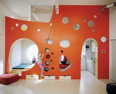 Tromso kindergarten by arkitektur. Neat architecture for kid's room Kindergarten Interior, Kindergarten Design, Café Design, Kids Restaurants, Casa Loft, Kids Cafe, Kids Bookcase, Modern Kids, Modern Loft