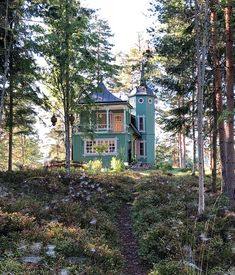 Small Buildings, Amazing Buildings, Abandoned Houses, Old Houses, Interior Architecture, Interior And Exterior, Swedish Cottage, Scandinavian Home, House Goals
