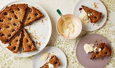Thomasina Miers' quick and easy recipe for blackberry and pecan tart Hot Desserts, Pecan Tarts, Tart Filling, Blackberry Recipes, Mexican Dishes, How Sweet Eats, Let Them Eat Cake, Quick Easy Meals, Baked Goods