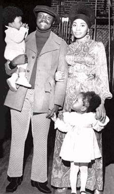 Alpha Phi Alpha Donny Hathaway, wife Eulaulah, and daughters Lalah and Kenya in the Black Love, My Black Is Beautiful, Black Men, Beautiful Eyes, The Jackson Five, Divas, Vintage Black Glamour, By Any Means Necessary, Black History Facts
