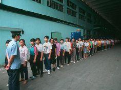Canadauence TV: Trabalho escravo: Chineses morrem de tanto trabalhar, fazem de 80 a 100 horas extras por mês