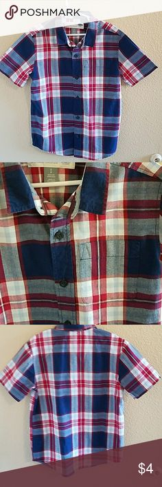 Old Navy Boys Plaid Button Up Size Small Handsome Boys Old Navy Red, White, and Blue Plaid Short Sleeve Shirt size S Excellent condition worn once Old Navy Shirts & Tops