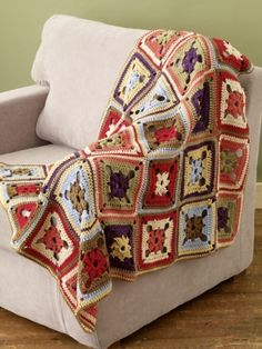 Free Crochet Pattern 81020AD Barcelona Throw : Lion Brand Yarn Company