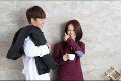 Song Ji Hyo and Gary? Or Song Ji Hyo and Choi Jin Hyuk?