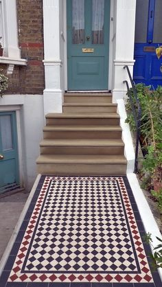 Bull Nose York Stone Steps and Victorian Mosaic Tile Path - London Garden Design Victorian Front Garden, Victorian Door, Victorian Terrace, Victorian Townhouse, Front Path, Front Door Steps, Victorian Mosaic Tile, Tile Steps, Outdoor Steps