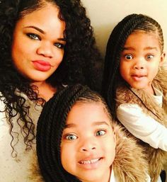 Mama and her Twin Girls Megan & Morgan. The M&M Twins. They are all adorable ! My Black Is Beautiful, Gorgeous Eyes, Beautiful Family, Beautiful Children, Beautiful Babies, Cute Twins, Cute Baby Girl, Cute Babies, Michael Strahan