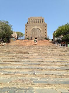 A Voortrekker Monument Pretoria, Travel Info, Travel Advice, Empty Tomb, Africa Travel, South Africa, Beautiful Places, Places To Visit, Tours