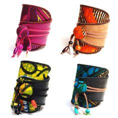 Collection de bijoux: colliers, bagues, boucles d'oreilles, bracelets, réalisés en wax aux inspirations puisées en Afrique noire.