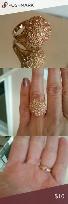 BCBG MaxAzria Rose Gold Ring Exactly as pictured. In great condition  Size 7 BCBGMaxAzria Jewelry Rings