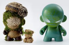 "Puma and Kidrobot have worked together with the Design Association NPO on the ""Munny"" Charity Project. Working with the Green and Africa theme and having in mind the 2010 soccer worldcup in South Africa, Puma and Kidrobot invited 40…"