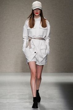 2014 VANDEVORST READY TO WEAR 5 | Vandevorst Fall 2014 Ready-to-Wear Collection Slideshow on Style ...
