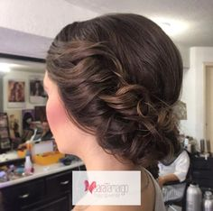 Twist hair for wedding day  Ideas for your hair here http://www.saratamargo.com/