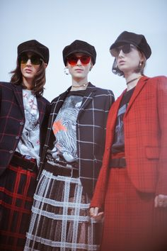 The Best and Most Breathtaking Backstage Moments from Paris Fashion Week Photos | W Magazine