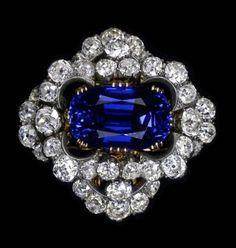 Elizabeth Taylor's Burmese sapphire brooch