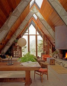 SOM — An Architect's Home The warm refuge of this...
