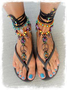 Hippie Boho PEACE sign BAREFOOT sandals Black and Copper por GPyoga