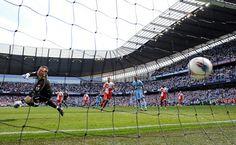 Aguero wins the Premier League 2012 v QPR