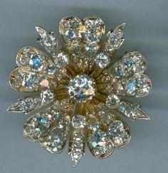 Georgian Diamond Flower brooch in 14kt yellow gold with diamonds.