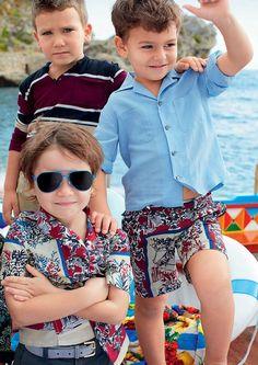 Dolce and Gabbana - Kids Fashion Dolce & Gabbana, Dolce And Gabbana Kids, Twin Outfits, Dope Outfits, Kids Outfits, Trendy Kids, Cute Kids, Fashion Kids, Men's Fashion
