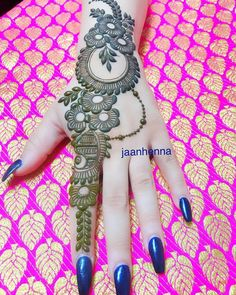 Latest Simple Arabic Mehndi Designs for Back Hand 2020 Henna Hand Designs, Dulhan Mehndi Designs, Mehandi Designs, Mehendi, Mehndi Designs Finger, Mehndi Designs Book, Simple Arabic Mehndi Designs, Modern Mehndi Designs, Mehndi Designs For Beginners