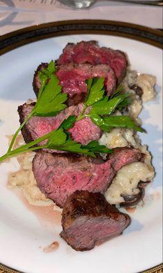 Food Diary, Dream Life, Foodies, Steak, Beef, Drink, Dinner, Meat, Dining