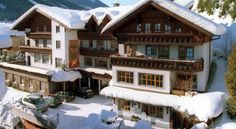 Hotel am Sonnenhügel Filzmoos Hotel am Sonnenhügel is in a quiet but central location in Filzmoos and offers views of the Dachstein and Bischofsmütze mountains. The bus stop for the free ski and hiking shuttle is only 50 metres from the property. Free WiFi is available.