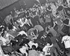 (^o^) Minor Threat Irving Plaza in New York, May 1982 Irving Plaza, Minor Threat, Sid And Nancy, Dir En Grey, Post Punk, Rock Music, Punk Rock, Black Metal, Concert