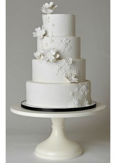 White Pedestal Cake Stand. The perfect wedding cakestand!
