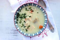 Zupa rybna z karpia poleca się na wigilię. Karp z dobrej hodowli będzie smakował wyśmienicie. Sprawdź przepis na zupę rybną. :)
