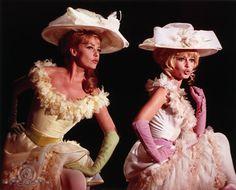 Still of Brigitte Bardot and Jeanne Moreau in Viva Maria!