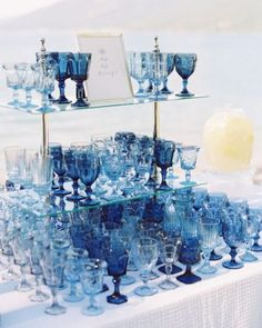 From stationery to wedding decor, find out how to use the Pantone 2020 Color of the year, PANTONE Classic Blue, on your wedding images). Pantone Azul, Pantone 2020, Pantone Color, Wedding Colors, Wedding Flowers, Danish Modern, Lakeside Wedding, Rustic Wedding, Dusty Blue Weddings