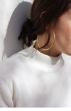 Solid Gold Hoop Earrings/ Gold Hoop Earrings/ Gold Earrings/ Small Gold Hoops Earrings/ Tiny Gold Hoops These classic yellow gold endless hoops are here to stay - so why not integrate them into your everyday wear If you have any additi Piercings, Crystal Earrings, Gold Earrings, Gold Bracelets, Statement Earrings Outfit, Cheap Earrings, Sapphire Earrings, Small Earrings, Diamond Studs
