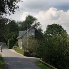 Casas de estilo clásico de good wood clásico | homify Country Roads, Cabin Style Homes, Classic Style, Design Ideas, Modern Houses, Interior Design, Trendy Tree, Photos