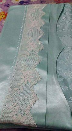 Next Post Previous Post Dantel Mutfak Takımı Modelleri Lace Kitchen Set Models Lace Kitchen Suit Models I used a lace. Filet Crochet, Stitch Crochet, Crochet Lace Edging, Crochet Borders, Irish Crochet, Crochet Doilies, Crochet Patterns, Crochet Home, Crochet Baby